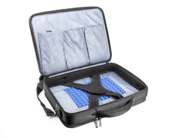3a639e7785c09 ... při studiích, na služebních ale i soukromých cestách. To přináší  přirozenou potřebu mít svůj notebook v bezpečí kvalitní brašny. Brašna  Natec Boxer ...
